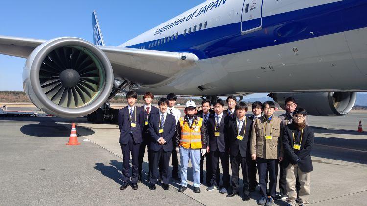 航空整備学専攻1年生26名がANA熊本空港事務所を見学
